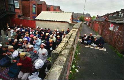 prayer outside salah